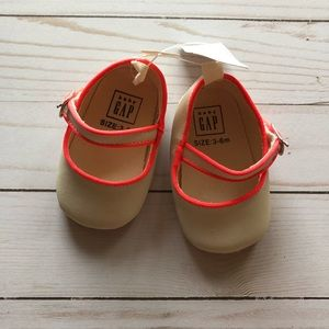 Baby Gap Girls Cream and Coral Pink Shoes 3-6M